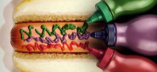 színes ketchup