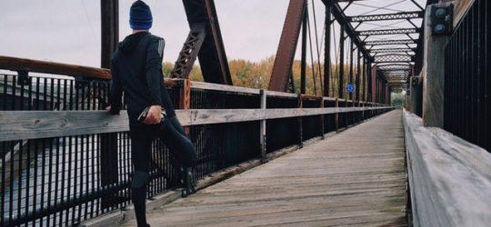 futó egy hídon