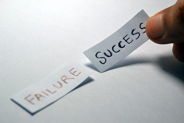 bukás és siker feliratok