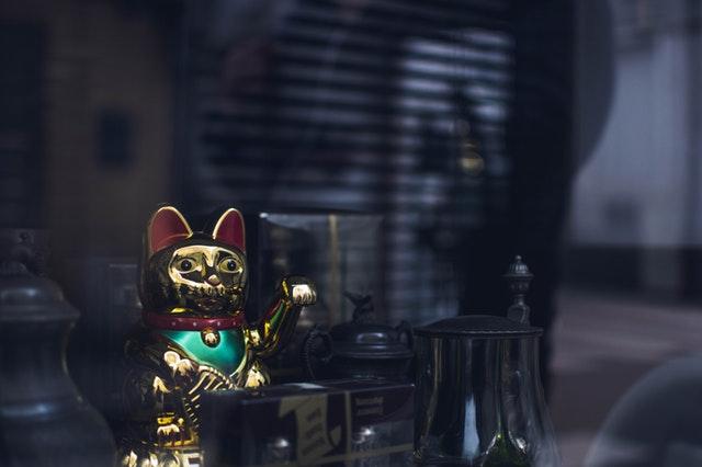 kínai integető macska